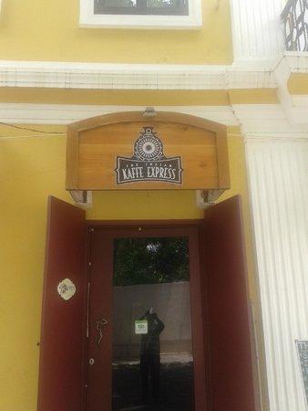 The Indian Kaffe Express : Entrance