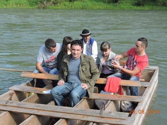 Rafting on Dunajec river: Embarkation