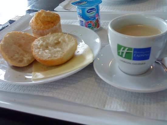 Holiday Inn Express Lisbon Oeiras: Café da manhã