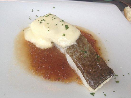 Restaurante Ni Neu : Bacalao confitado con perlas de marisco y pil pil