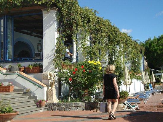 Arathena Rocks Hotel: Frühstücksraum