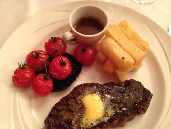 Bannatyne Spa Hotel : Steak and chips from the A La Carte