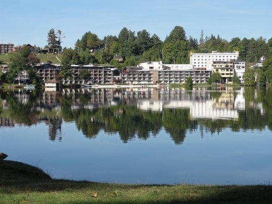 Golden Arrow Lakeside Resort : Hotel from across the lake