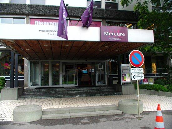 Mercure Plaza Biel: Streetview