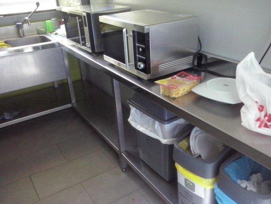 Green Nest Hostel Uba Aterpetxea: Cocina