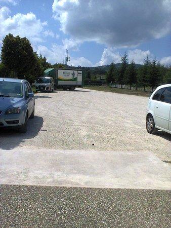 Locanda Acquasanta : parcheggio