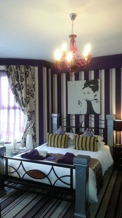 De-Lovely: the ' Boudoir' great room!!