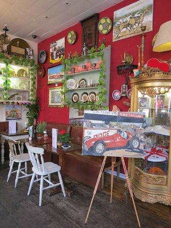 Allans Patisserie Boulangerie: inside ALLANs