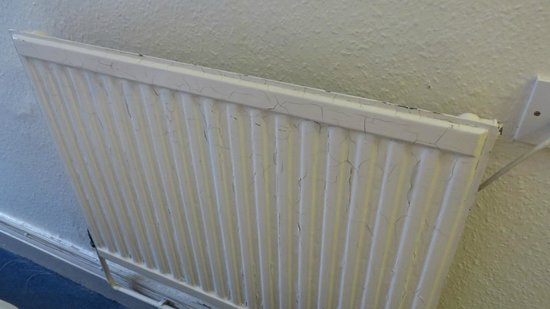 The Grand Hotel - Llandudno: radiator peeling pain