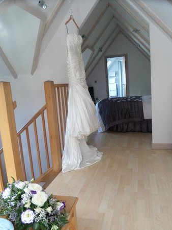 Little Silver Country Hotel: The bridal suite! Simply wonderful! There is a dressing/make up room to the right too!