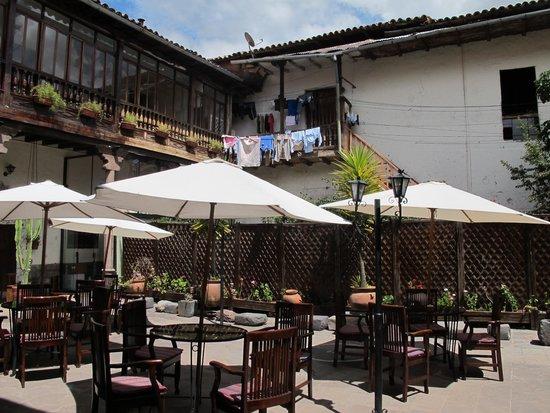 Unaytambo Hotel: Amazing patio area