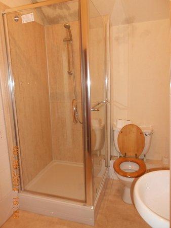 The Urr Valley Hotel: Bathroom