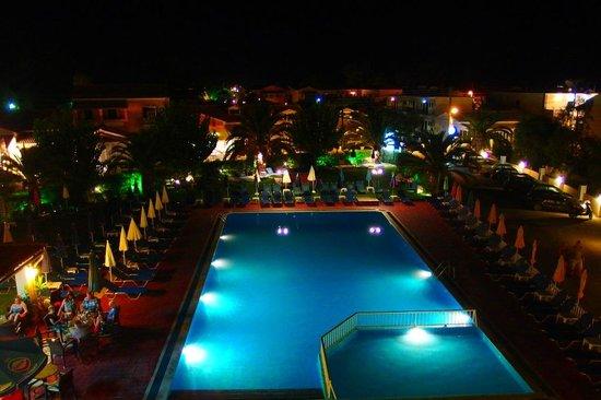 Alkyon Hotel: Widok z balkonu.