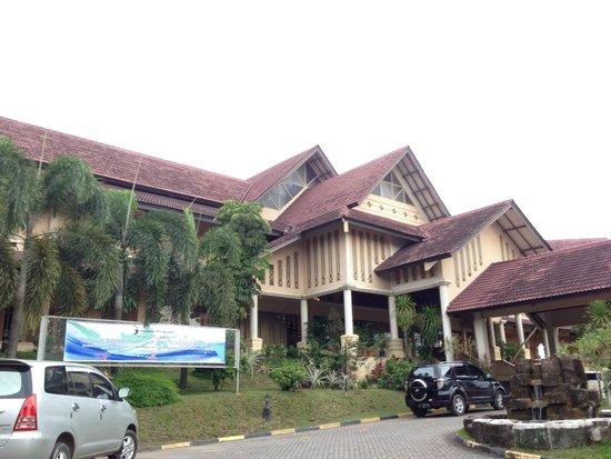 Comfort Hotel & Resort Tanjung Pinang : Tampak muka - Hotel Comfort.