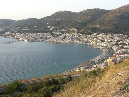 Scorpios Hotel Apartments: samos port