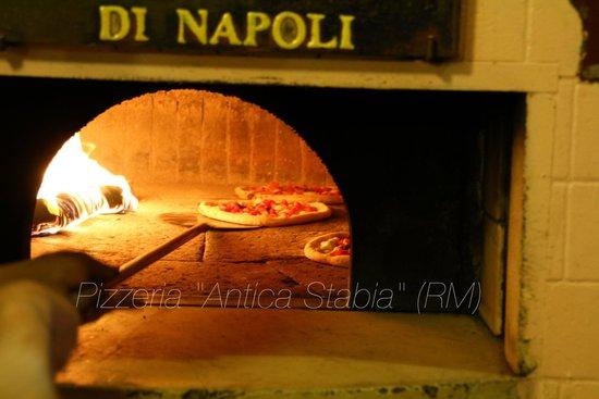 Pizzeria Antica Stabia: forno a legna
