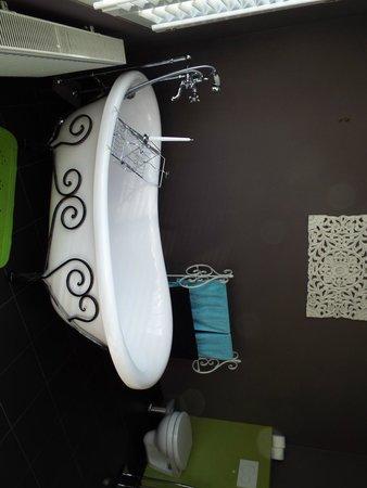 Expo 13: Bathroom room 1