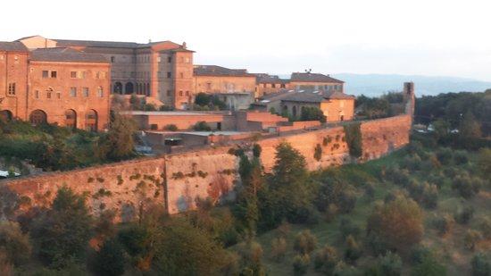 Tuscan Wine School - Siena : 'school' is just inside the Siena gate...