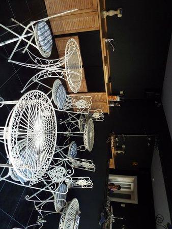 Expo 13: Breakfast Room