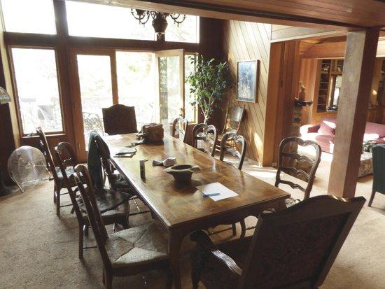 Yosemites Four Seasons: Four Season Lodge Dining Room