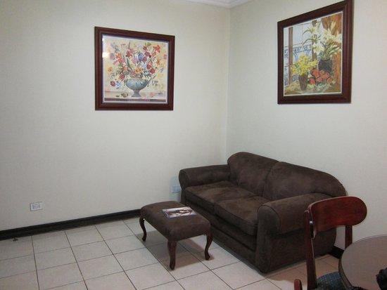 Casa Conde Hotel & Suites: living room