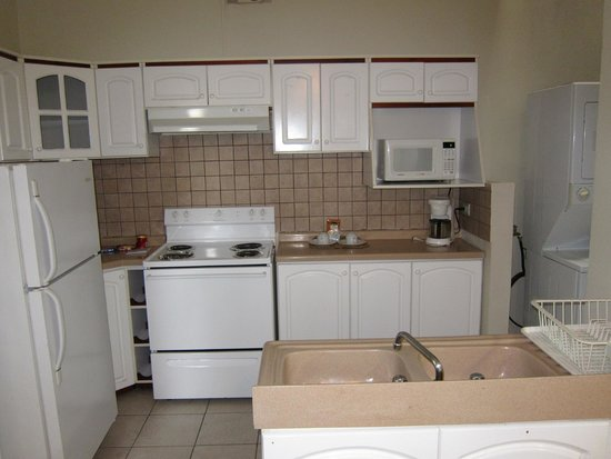 Casa Conde Hotel & Suites: kitchen