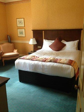 Royal Berkshire Hotel: Bedroom