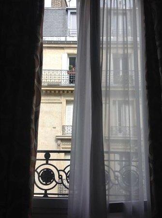 Hotel du Bois: window