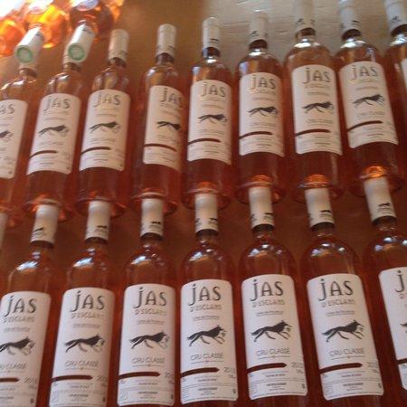 Azur Wine Tours : Lots of Wine!!!