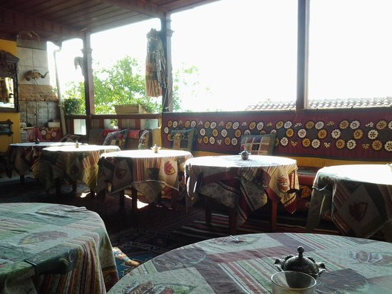 Homeros Pension & Guesthouse: open air lounge