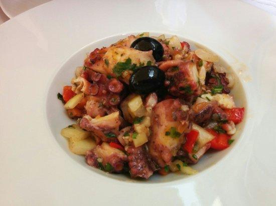 Restaurante Marisqueira Concha D`ouro: Pulpo salad
