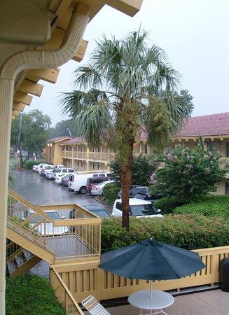 La Quinta Inn Savannah Midtown: Bei Regen aus dem Zimmer