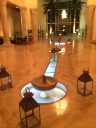 The Residence Tunis : Entrance Hall at night