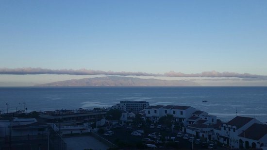 Ona El Marqués: View of La Gomera from balcony early morning