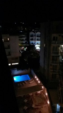 Esperia Hotel : Pic taken from 6th floor at night.