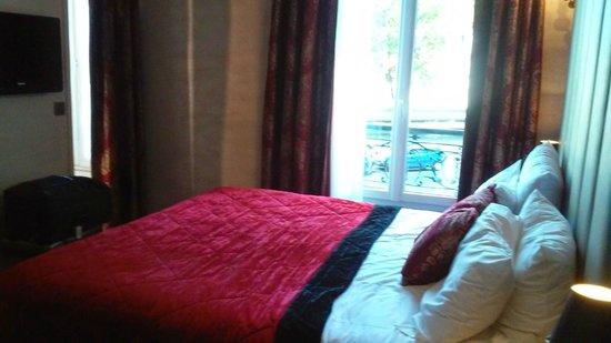 Hotel de l'Empereur: Room