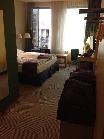 Park Inn by Radisson Stuttgart: Room 612; Spotless; Great Location