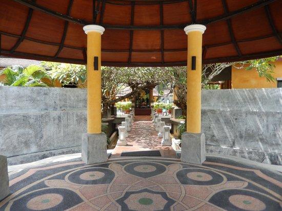 The Village Resort and Spa: エントランス
