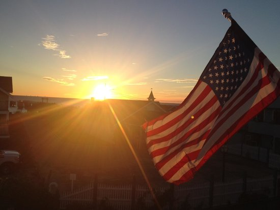 Martha's Vineyard Surfside Hotel : Sunrise from room 304