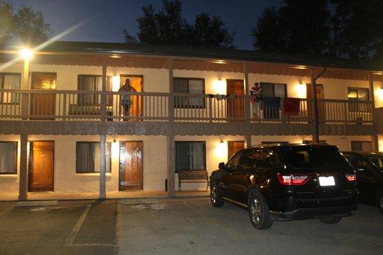 Miner's Motel: motel de nuit