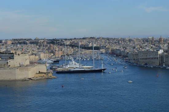 Grand Harbour Hotel: View from roof terrace