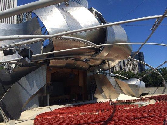 Jay Pritzker Pavilion: Muito lindo