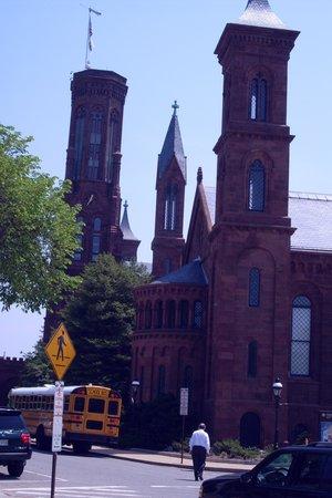Edificio del Instituto Smithsoniano: Romanesque/Gothic architecture