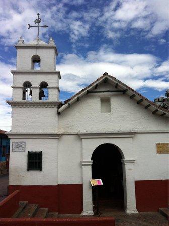 Plaza Del Chorro Del Quevedo: Small church