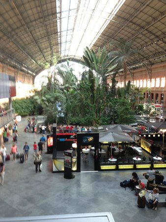 Estación de Atocha: Atocha Railroad Station