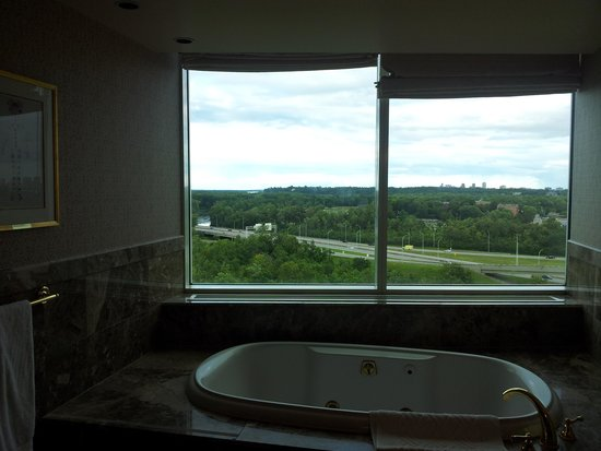 Hilton Lac-Leamy: Whirlpool Tub