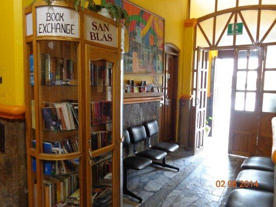 Hostal San Blas: Entrada