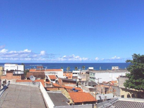 Hotel Praia da Sereia: Vista do terraço - Itapuã e orla