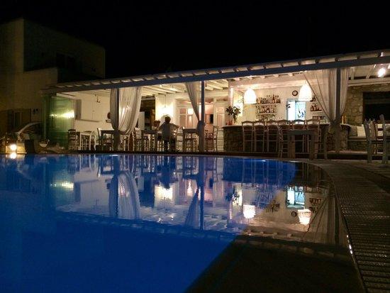 A Hotel  Mykonos : Pool Bar