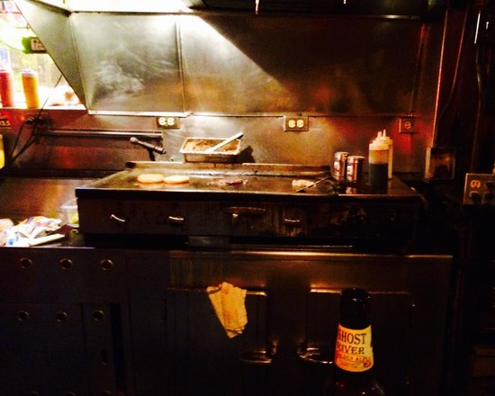 Earnestine & Hazel's Bar Grill: The holy...grill, with a slow-cooking soul burger!